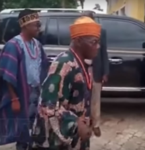 Former President Olusegun Obasanjo loses shoe while on the dance floor